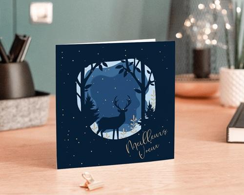 Carte de Voeux Entreprise Cerf dans la nuit de Noel, Neige dorée gratuit