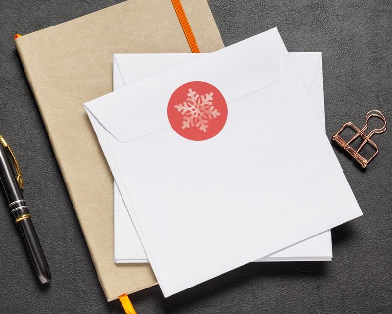 Autocollant Enveloppe Entreprise Personnalisé Flocon Blanc, Fond Corail pas cher