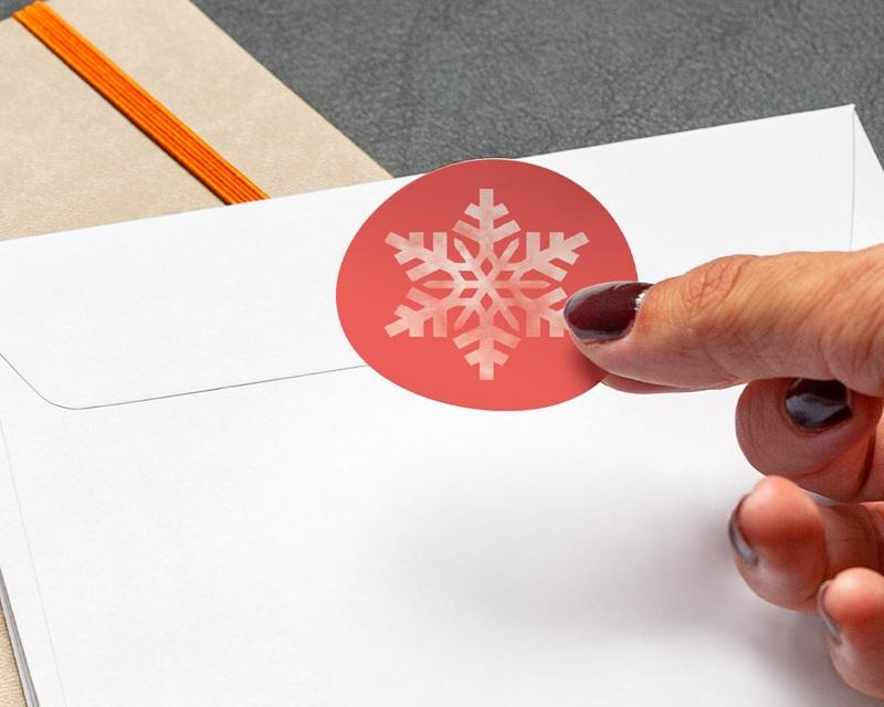 Autocollant Enveloppe Entreprise Personnalisé Flocon Blanc, Fond Corail gratuit