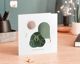 Carte de voeux avec logo d'entreprise Trio de formes, Tons nude & vert gratuit